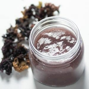 Irish Moss gel in a jar next to dried Chondrus Crispus